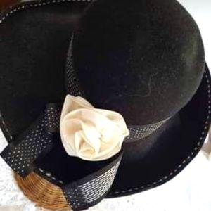 Gorgeous Black Wool Vintage Hat